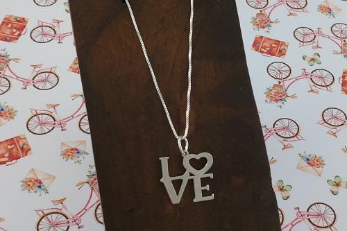"""San Valentín: ¡Di """"Te Quiero"""" con Regalos Únicos!"""