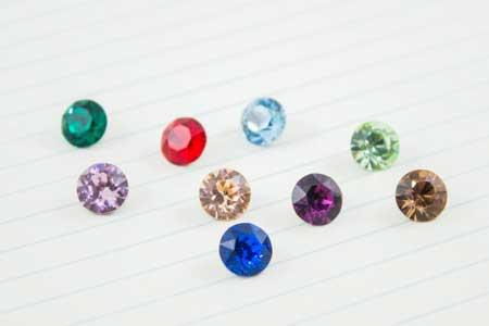 buena textura duradero en uso comprar bien Cristales de Swarovski para dar color a tus diseños | La Fermina
